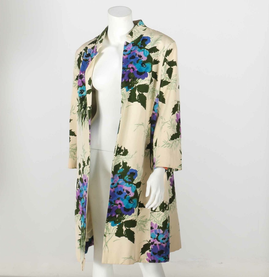 This vintage floral swing coat that I'd probably never actually wear, but adore ($80).