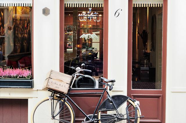exploring amsterdam travel tips
