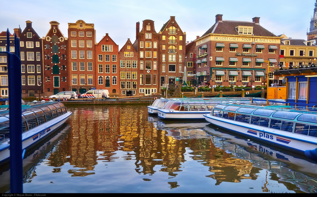 exploring amsterdam canals travel tip